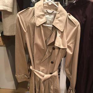 Banana republic women's trench coat size M